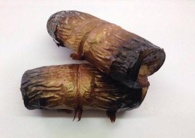 Karsti kūpināts skumbrijas rullītis ar sīpoliem
